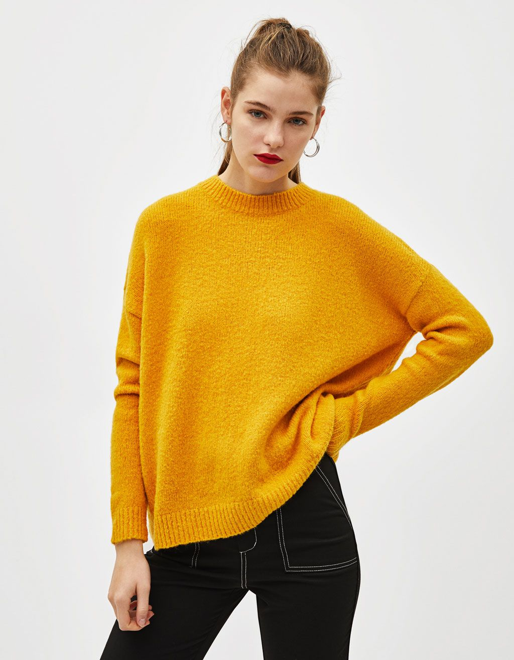 Oversized knit sweater  b365393f7