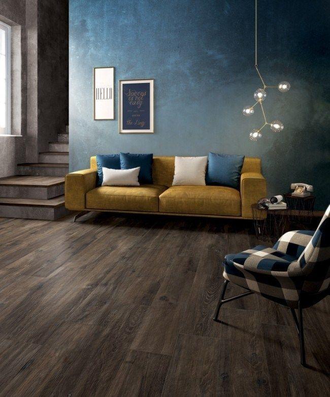 Wohnzimmer Mit Fußboden In Holzoptik Und Wandfarbe Petrol Blau