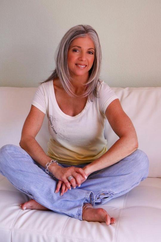 Hot Older Women With Gray Hair  Girl Stuff  Grey Hair -6769