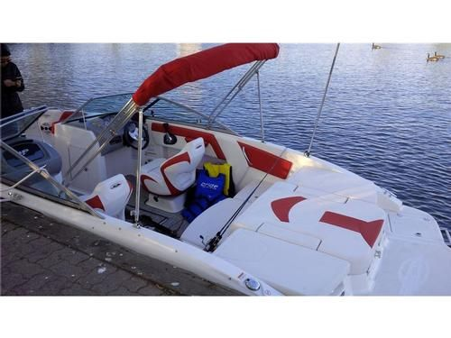 2015 Chaparral H2O 21 for sale by owner on Heavy Equipment Registry. http://www.caboats.com/used-boats/9351.htm