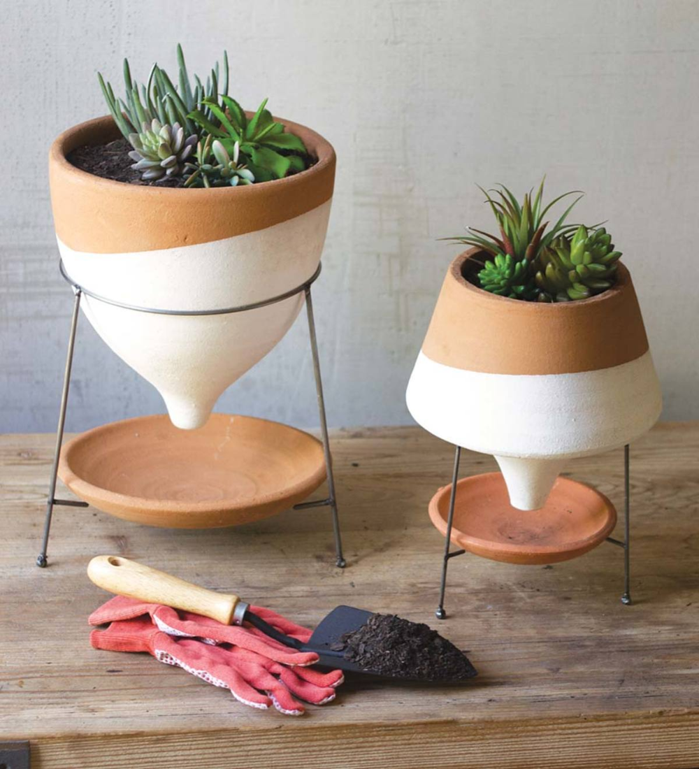 Natural And White Terracotta Funnel Planter With Wire Base Large Vivaterra In 2020 Funnel Planter Planters Terracotta Planter