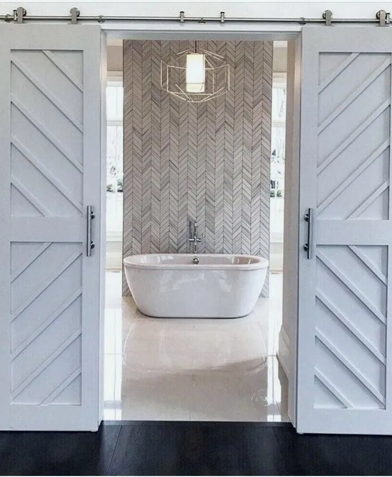 Diy Barnwood Accent Wall Herringbone: 36 Simple Master Bathroom Renovation Ideas #bathroomdecor