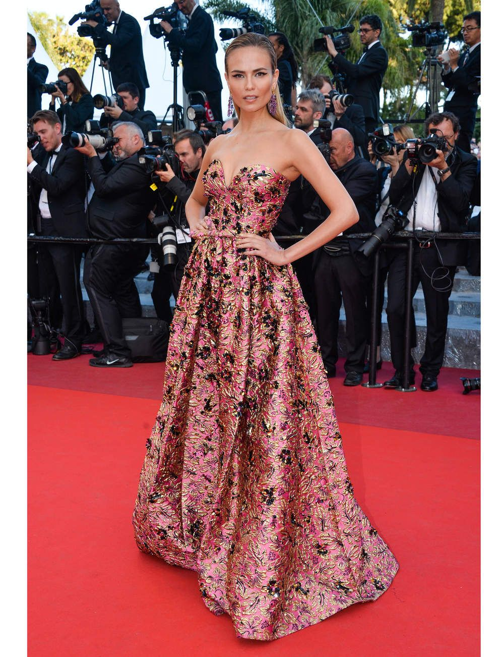 Cannes Les Plus Beaux Looks Du Tapis Rouge In 2018 African Women