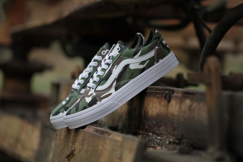 c3d89daa17e0 Vans Old Skool classic low shoes summer with a military camouflage  camouflage combination VN07  36-4415  Vans