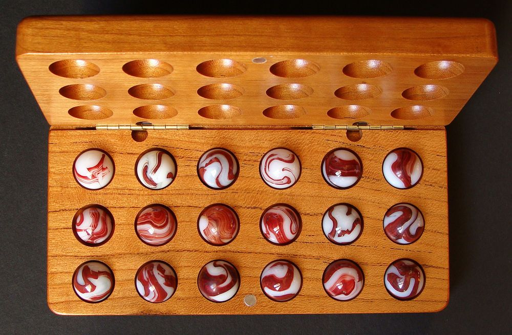Vintage+Marbles+Akro+Agate+milky+oxblood+cherry+collector