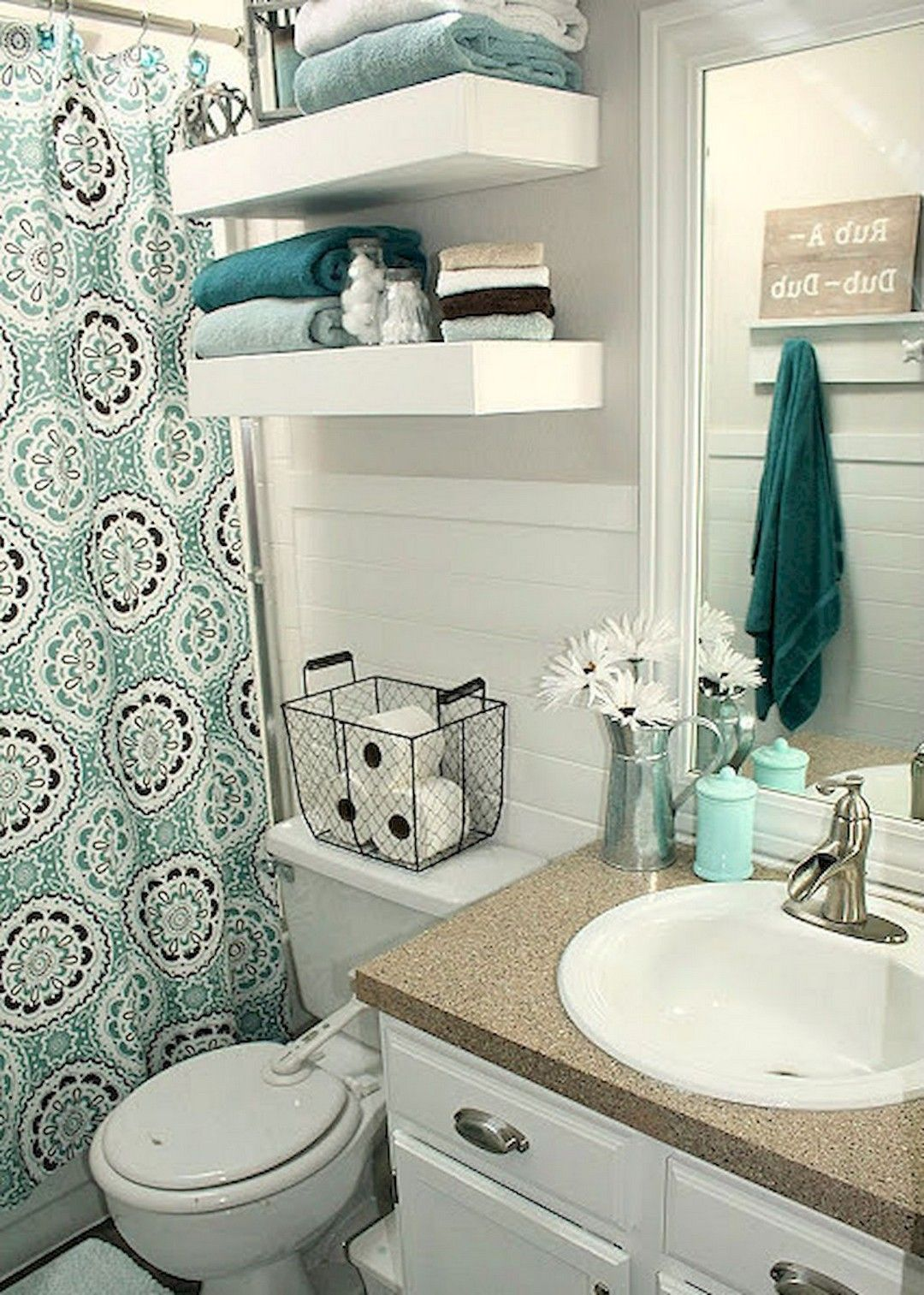 Ordinaire 90 DIY Apartment Decorating Ideas On A Budget. Small Apartment DecoratingBathroom  Decor ...