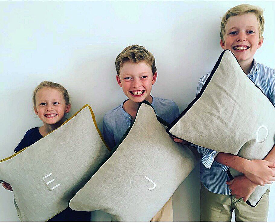 Contagious smiles- happy kids with their brand new personalized cushions! #marinacmilano #happykids #summerfeel #foryourkidsonly #madeinmilano
