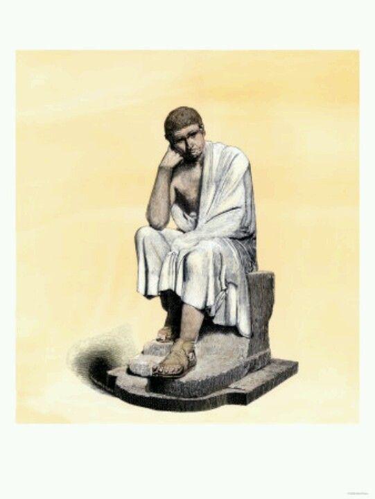 La multitud obedece más a la necesidad que a la razón, y a los castigos más que al honor.