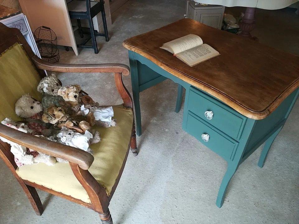 Grange des meubles depuis