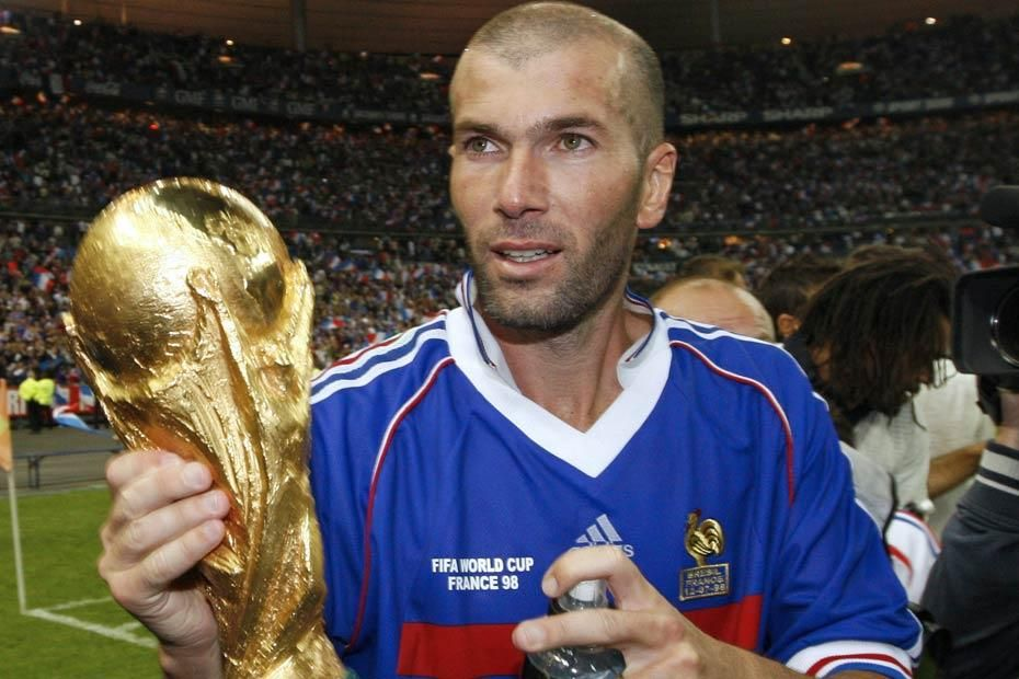 Zinedine Zidane World Cup Winner July 12 1998 Source Europe 1 Zinedine Zidane Coach Of The Year Football