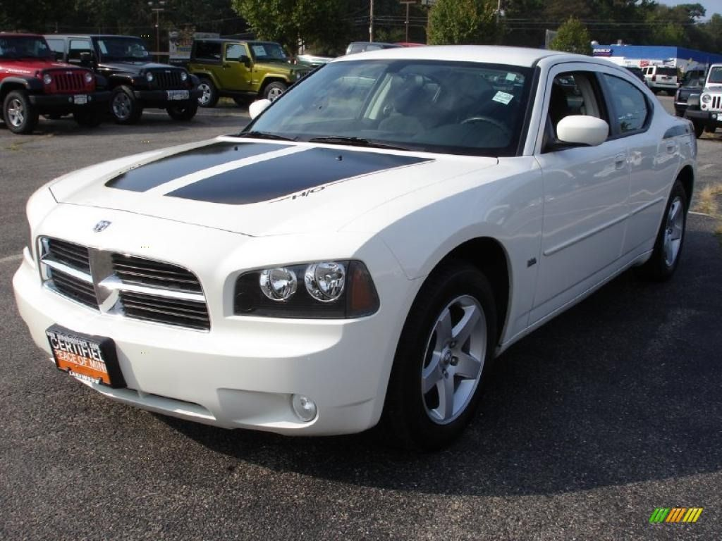 2010 Dodge Charger Stone White Clearcoat 2010 Dodge Charger Sxt
