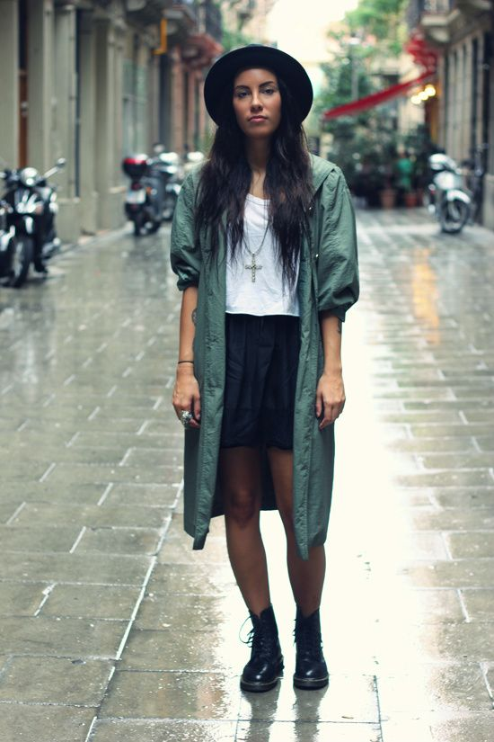Green Coat And Dr Martens Fashion Dr Martens Boots Women Fashion Books