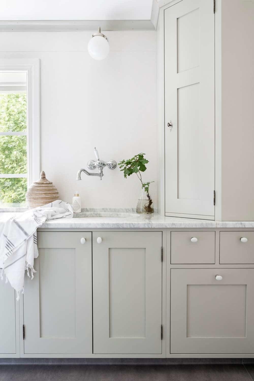Lantligt Kök Med Pärlspont ~ lantligt kök med pärlspont Gården Hällas i 2019 Kök fritidshus, Lantliga kök och Kök pärlspont