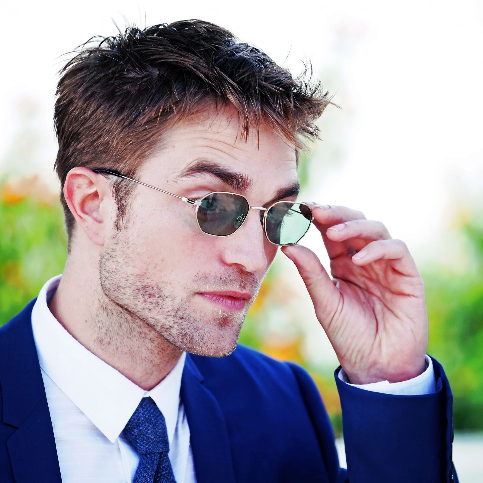 Anna Kendrick dating Robert Pattinson