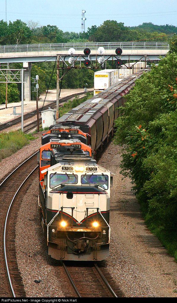 RailPictures.Net Photo: BNSF 9700 BNSF Railway EMD SD70MAC at Aurora, Illinois by Nick Hart