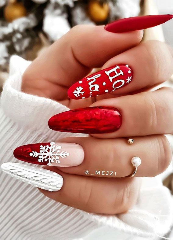 25+ Christmas Nails 2020 : Red and white sweater C