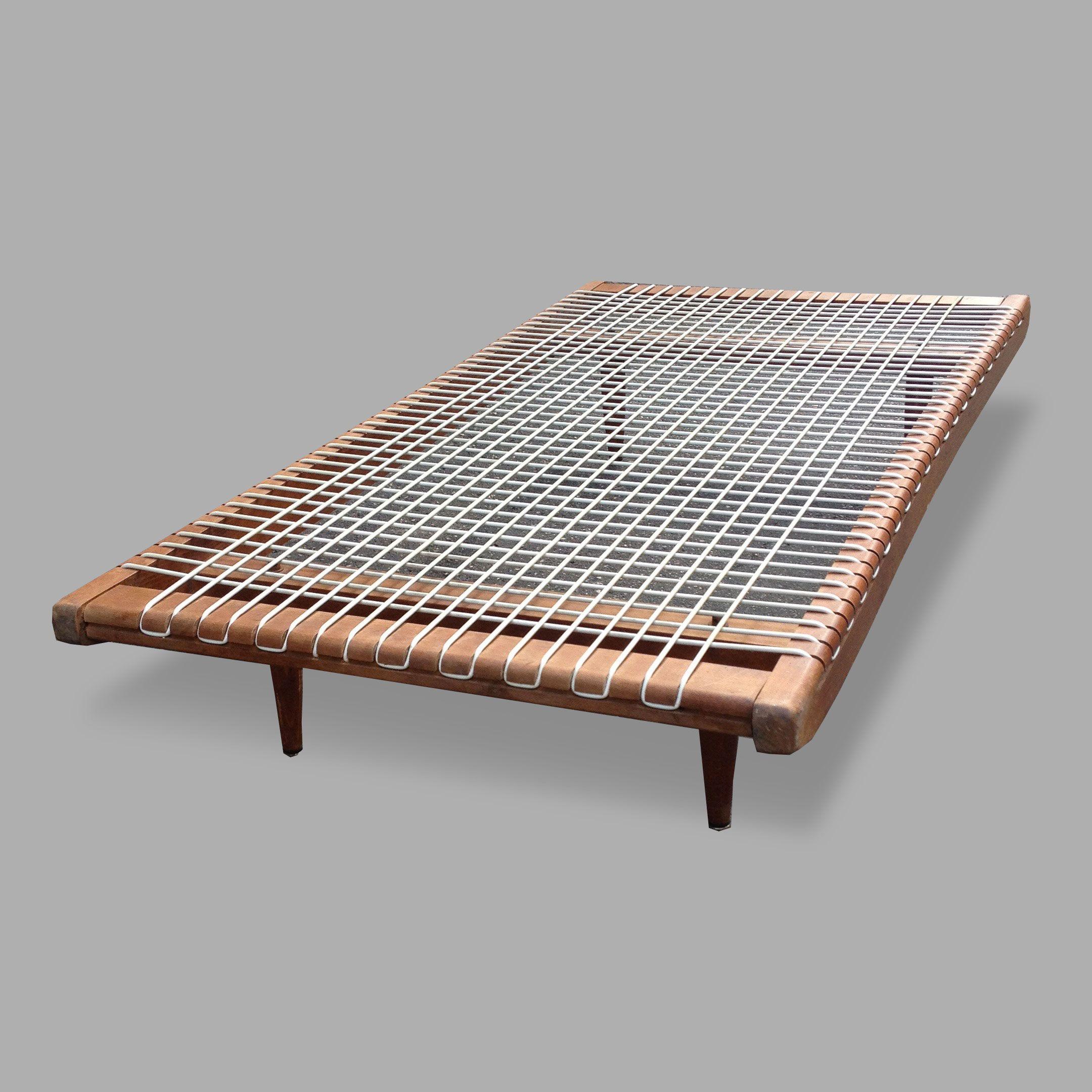 Table basse bois et fil plastique des années 50 / EN VENTE DANS ...