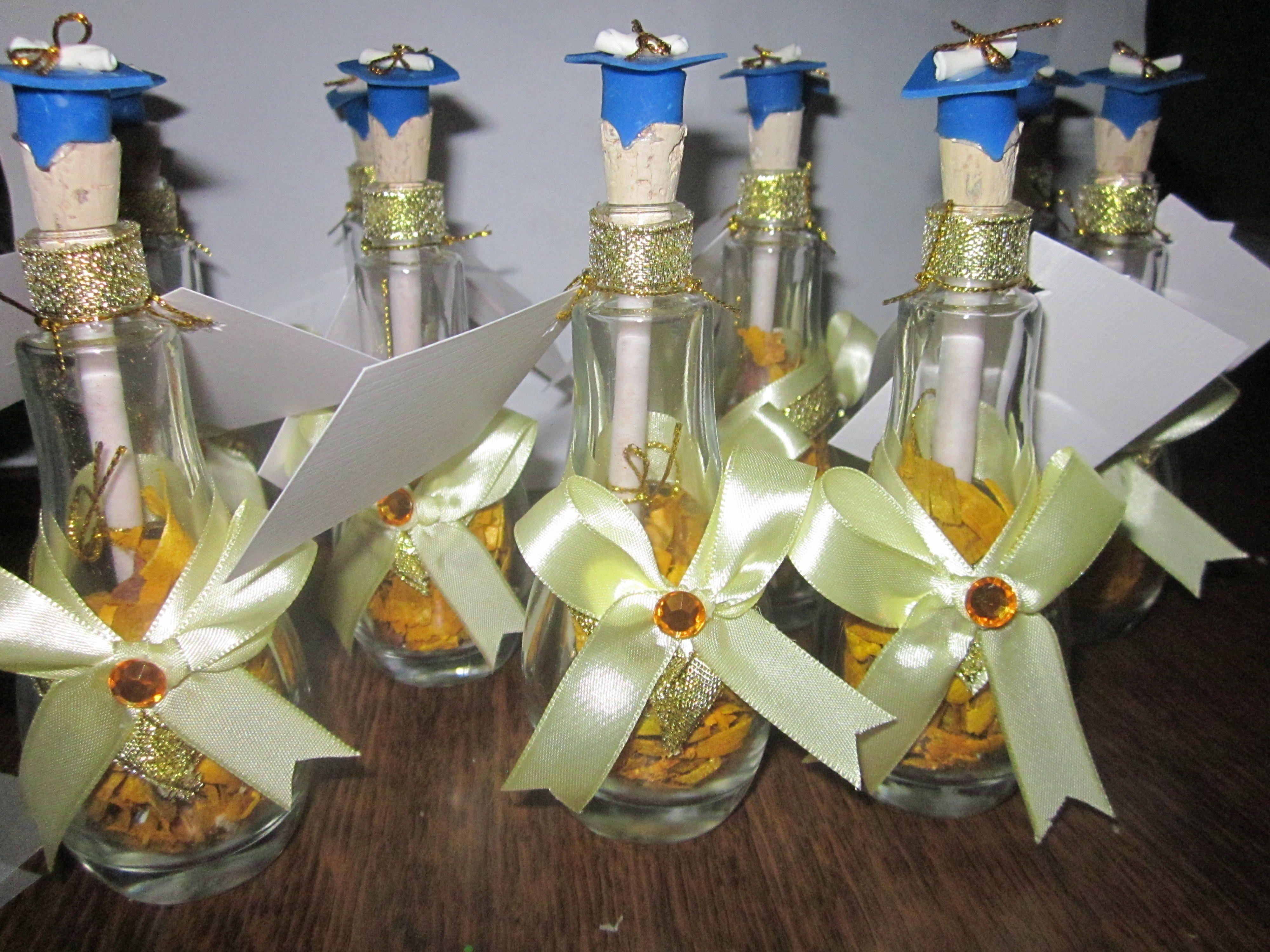 En perfumeros para graduaci n invitaciones en botellas - Decoracion de botellas ...