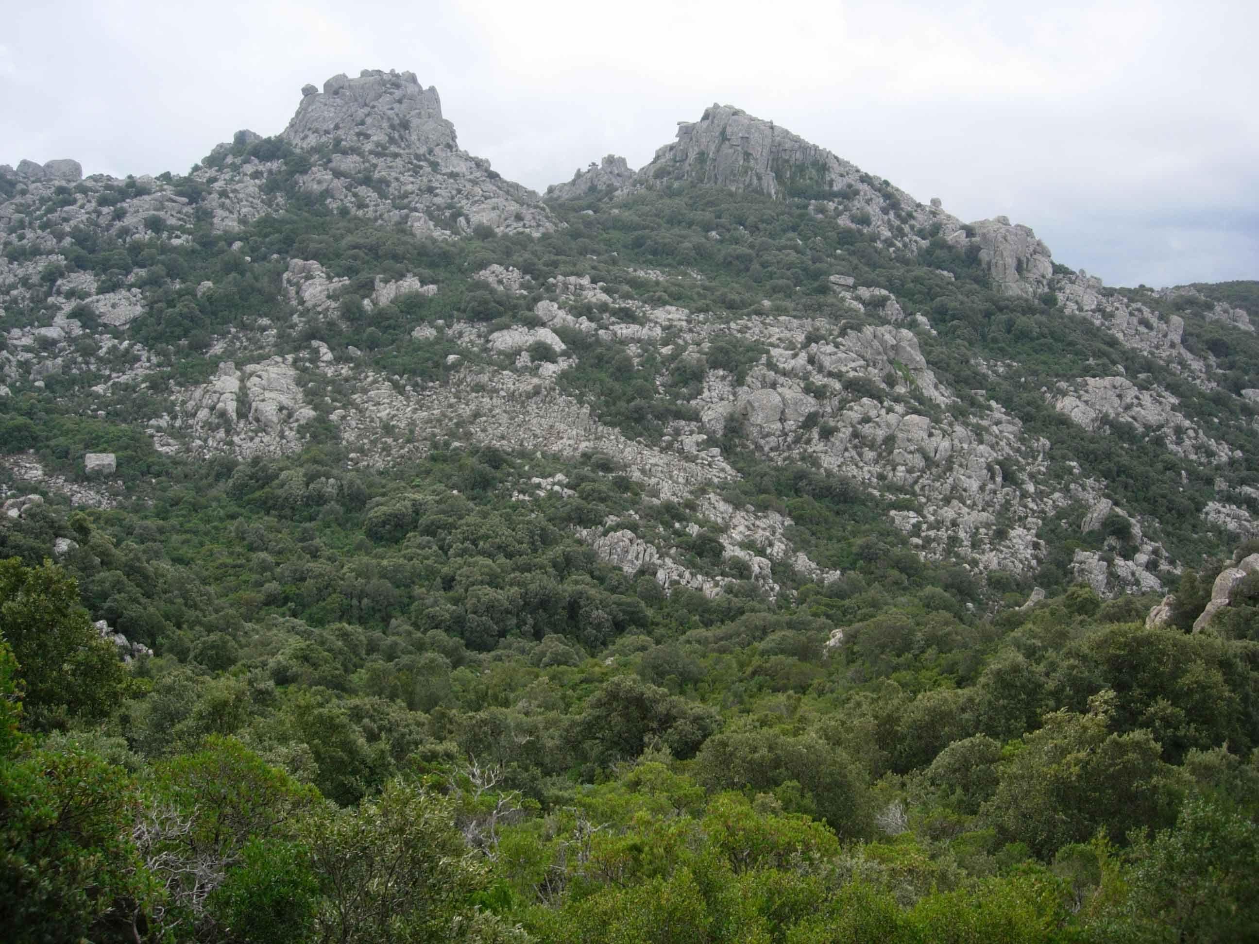 Il massiccio dei Sette Fratelli: come nacquero i granitici protettori della città di Cagliari.