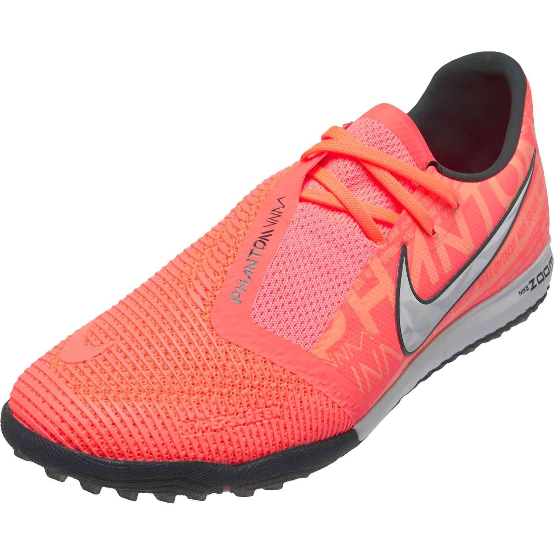 Nike Phantom Venom Pro Tf Phantom Fire Soccerpro In 2020 Nike Nike Football Boots Nike Soccer Shoes
