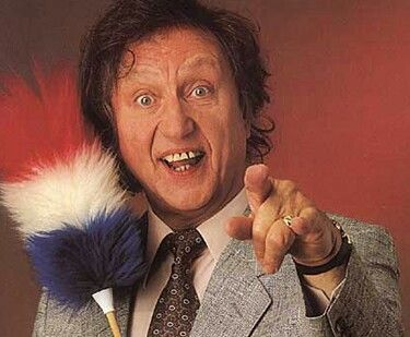 Ken Dodd RIP 1927 - 2018.  The last great variety entertainer has passed away.  I will always remember him, I saw him about 1959 in Blackpool, when I was 9 years old, I loved his performance of 'On the Road to Mandalay'.  I have seen his shows over the last few years, still in the theatre until 1.30 am.  He believed in value for money.  Great comic and encyclopaedic  mind for jokes.  RIP Ken.