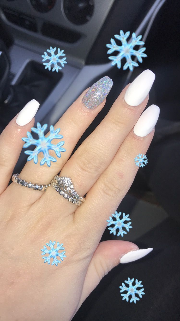 Winter White Acrylic Nails Sc Madddy15 Insta Maddyy3 White Acrylic Nails Short Acrylic Nails White Nails