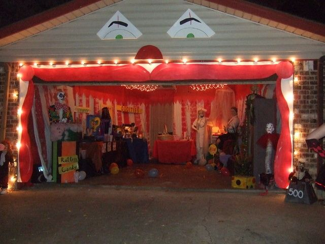 carnevil garage set up - Decorate House For Halloween