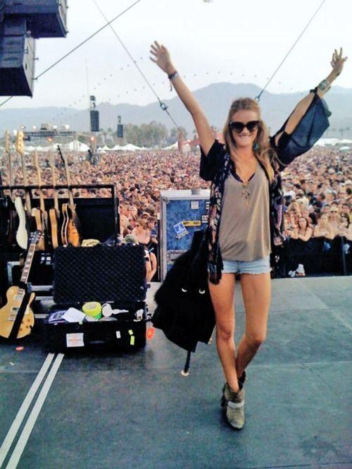 festival fan