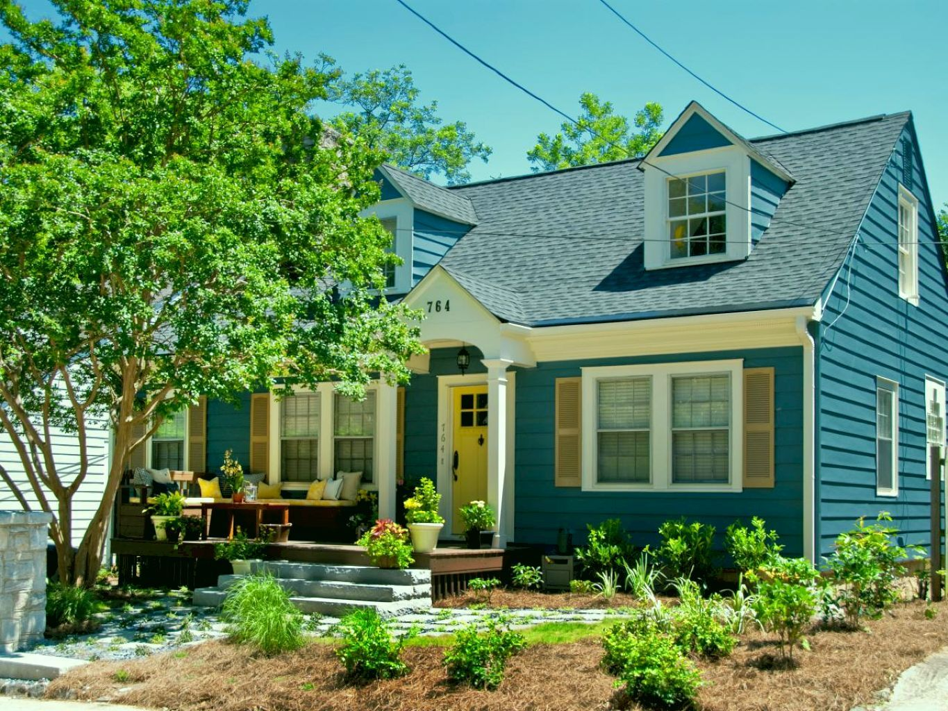 50 Traditional Cape Cod House Exterior Ideas Cape Cod House Exterior House Paint Exterior Cape Cod Style House