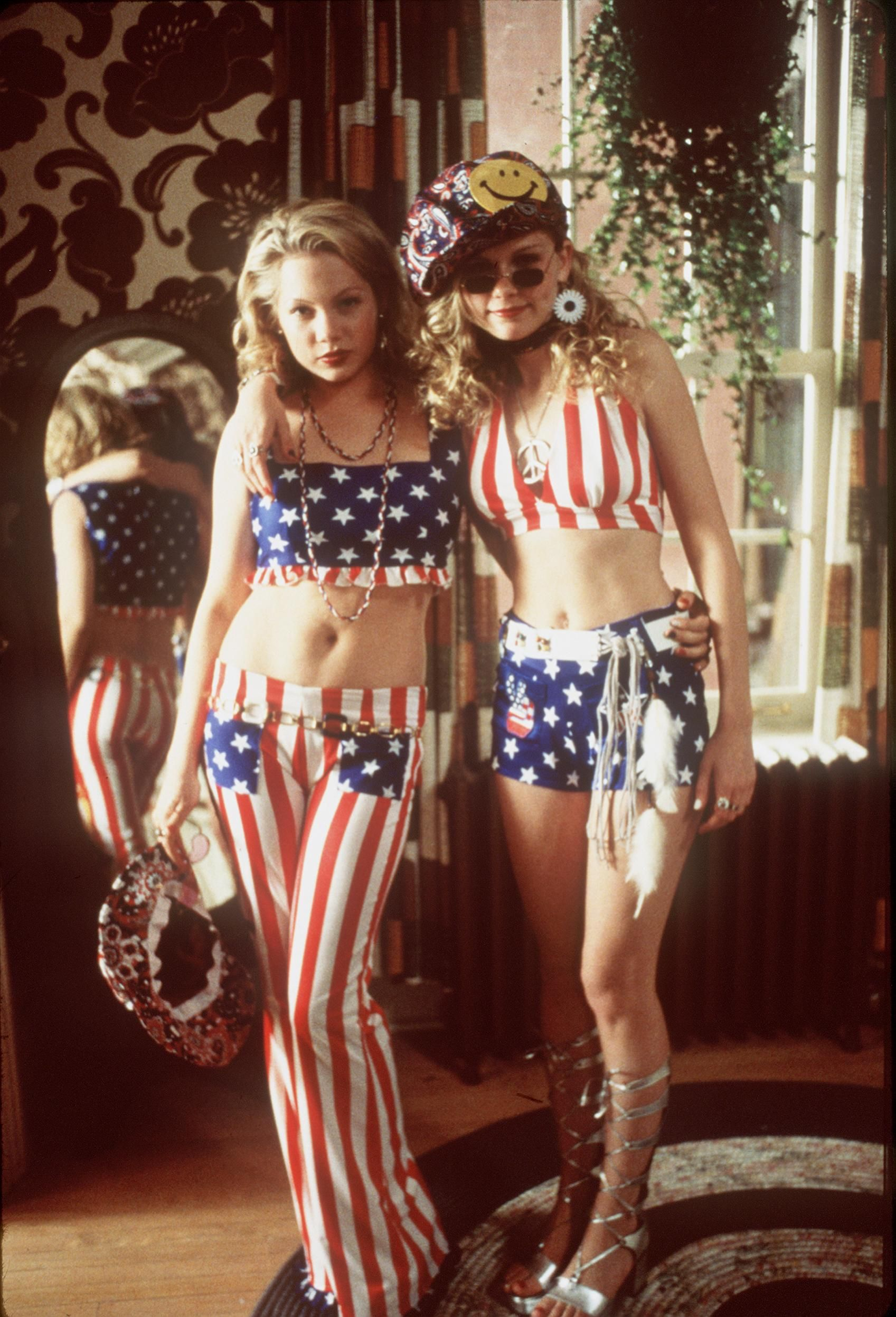 Kirsten Dunsts Most Stylish Movie Moments  Hippies -4779