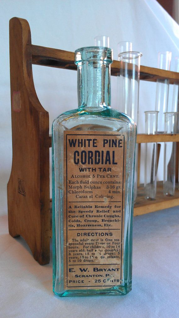 """Original labeled Opiate Morphine bottle with Chloroform from the 19th  century. Reads """"White Pine Cordial with Tar"""" """"Morphine Sulphas 3-6gr."""