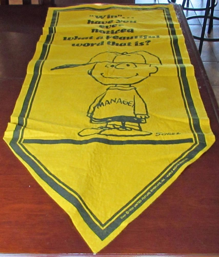 Vtg peanuts charlie brown win manager felt pennant banner yellow