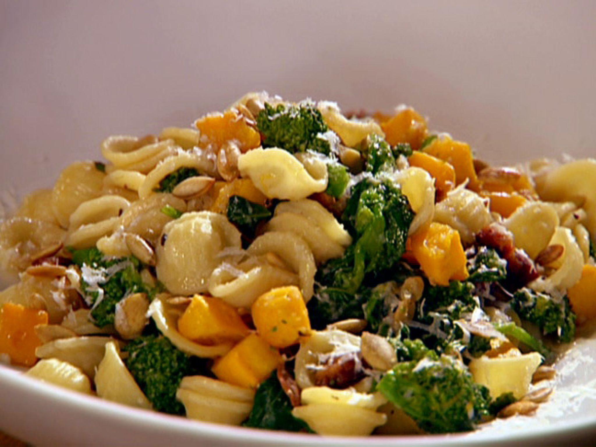 Brokolili Orecchiette tarifi