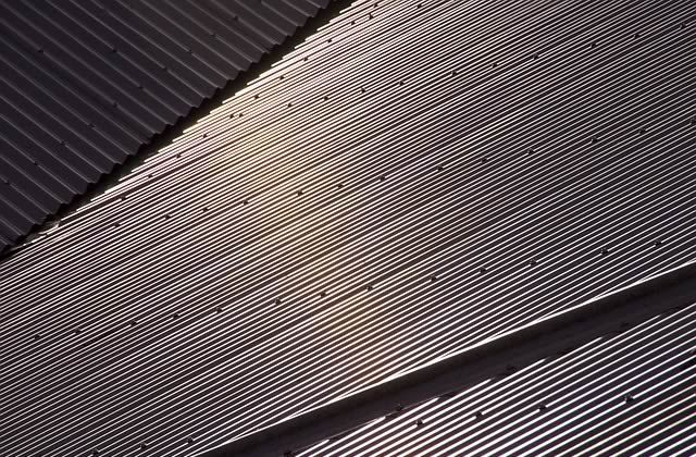 Best 4 Reasons To Consider Installing A Metal Roof Over Other 640 x 480