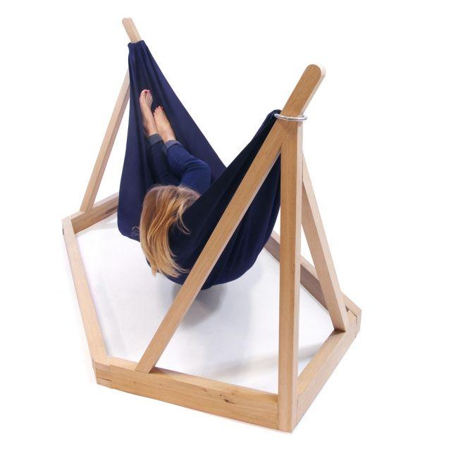 dissidence- Hängematte mit Holzgestell design-laurent-corio ...