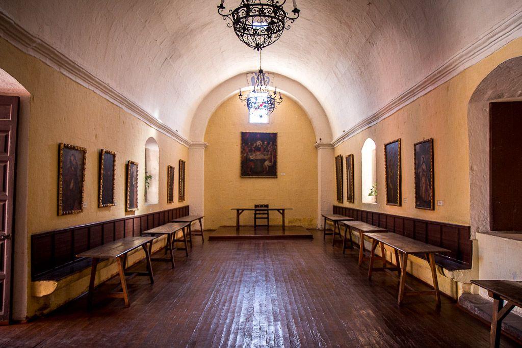 """El Virrey Francisco Toledo, durante su visita a Arequipa, 1579 otorga la licencia para la fundación del """"Monasterio de Monjas Privado de la Orden de Santa Catalina de Siena"""". Peru"""