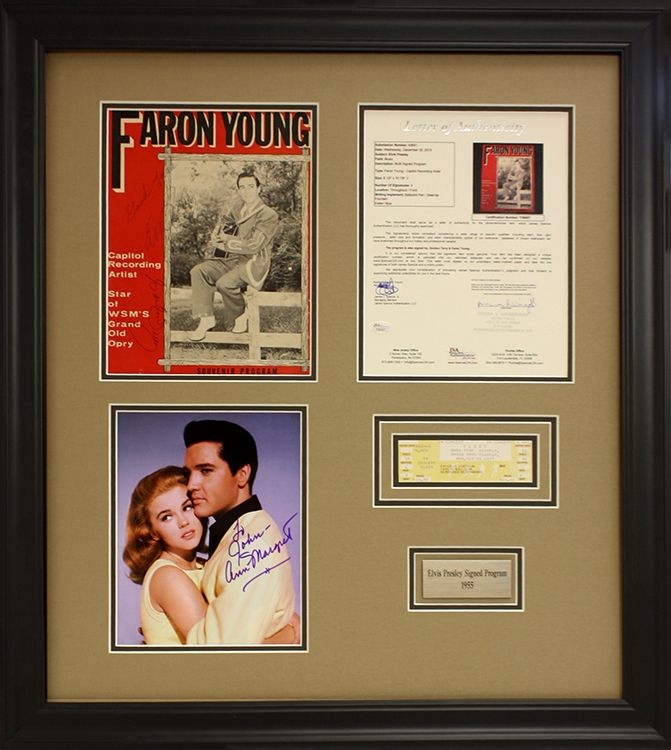 Elvis Presley program with signed photo and commemorative plate ...