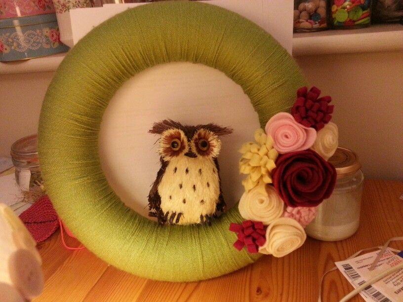 Yarn wreath with owl