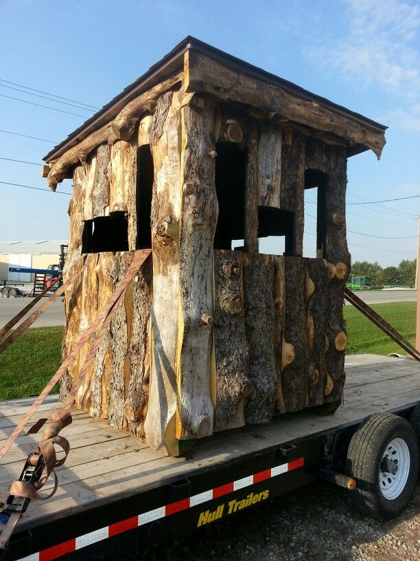 New deer blind made with slabs off the sawmill hunting for Homemade hunting shack