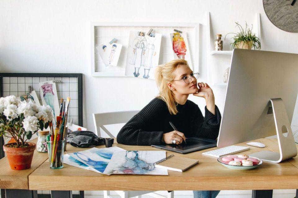 Smart working: 5 regole essenziali per sopravvivere tra casa e famiglia!