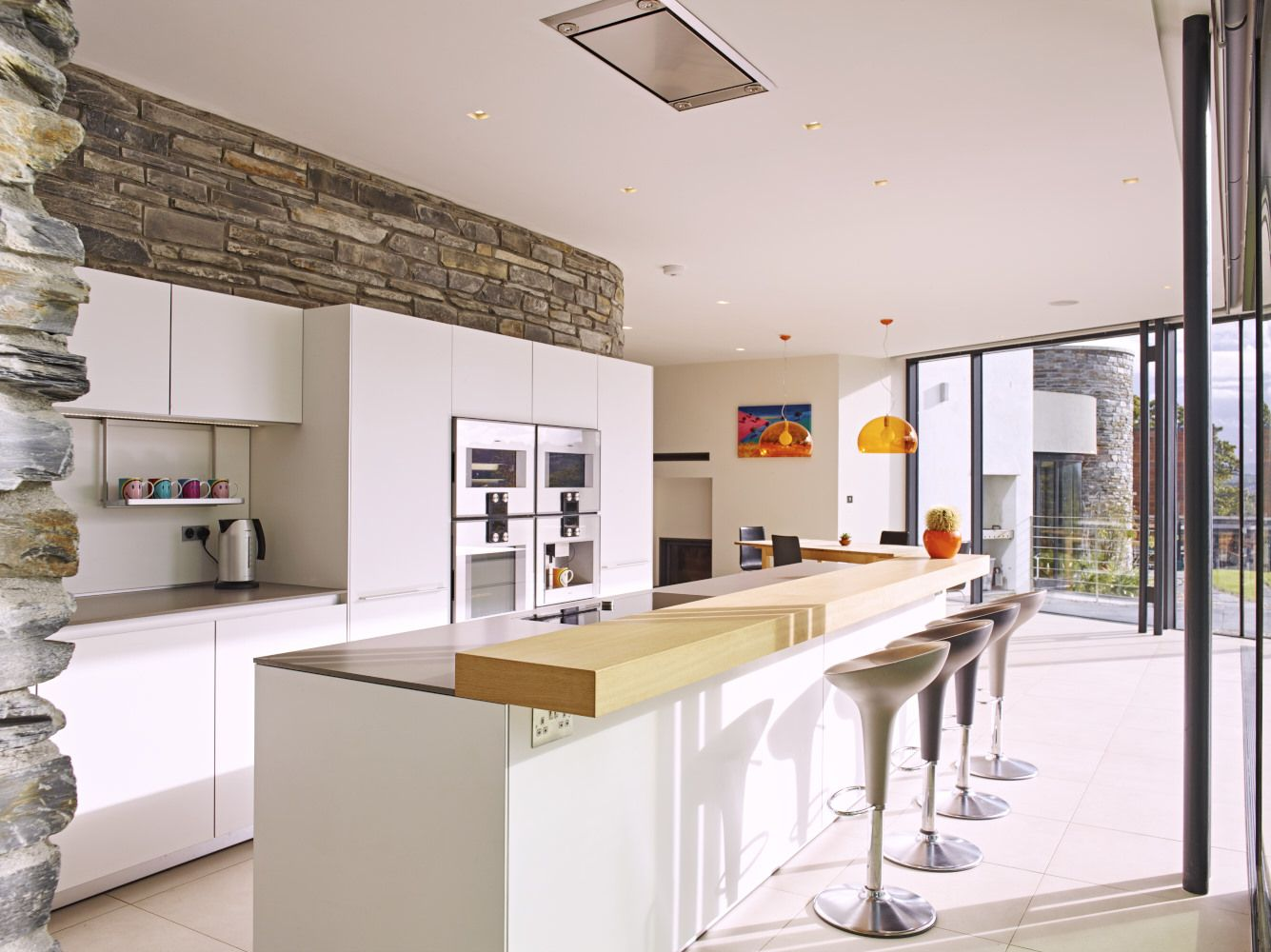 bulthaup b3 white kitchen with oak breakfast bar designed by sapphire spaces exeter kitchen. Black Bedroom Furniture Sets. Home Design Ideas