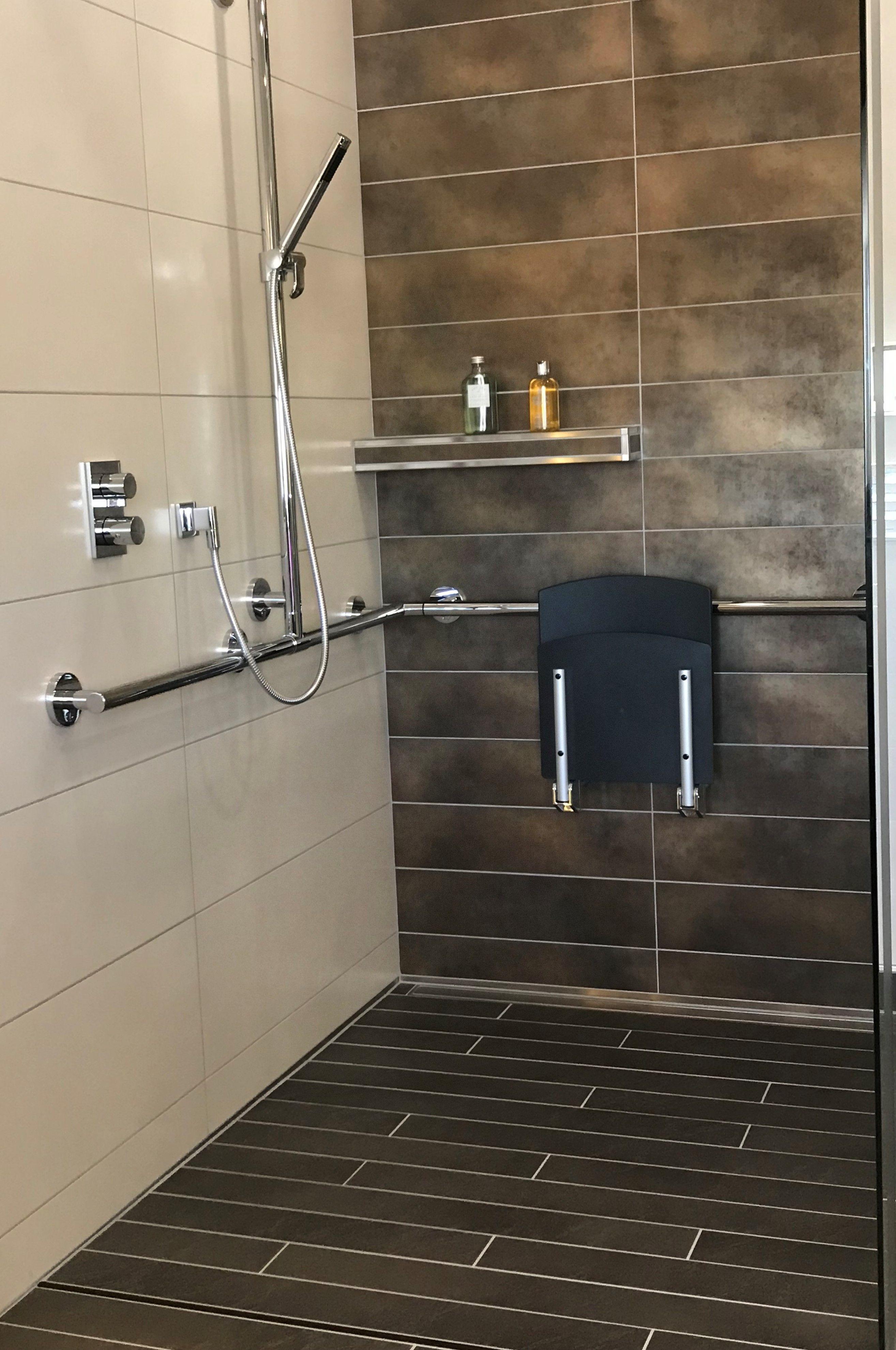 Fur Jeden Menschen In 2020 Duschsitz Dusche Renovieren Ablage Dusche