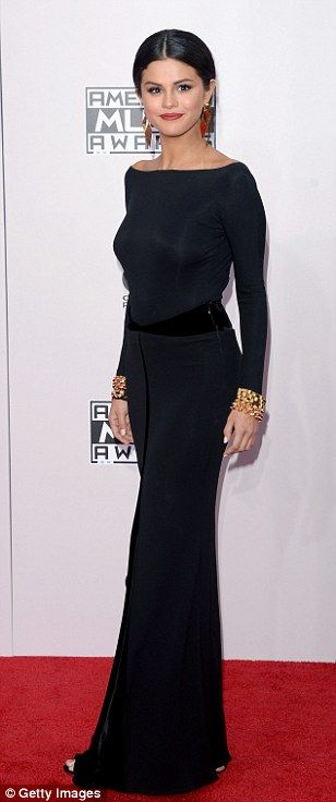 Selena Gomez at the American Music Awards in Los Angeles | BLACK is ...