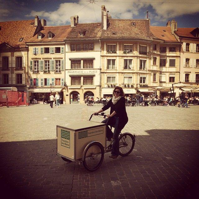 Centre D Art Contemporain On Instagram Karine Tissot Prete Pour Vernir Le Projet Teddy Dear Sur La Place Des Droits De Instagram Instagram Posts Street View