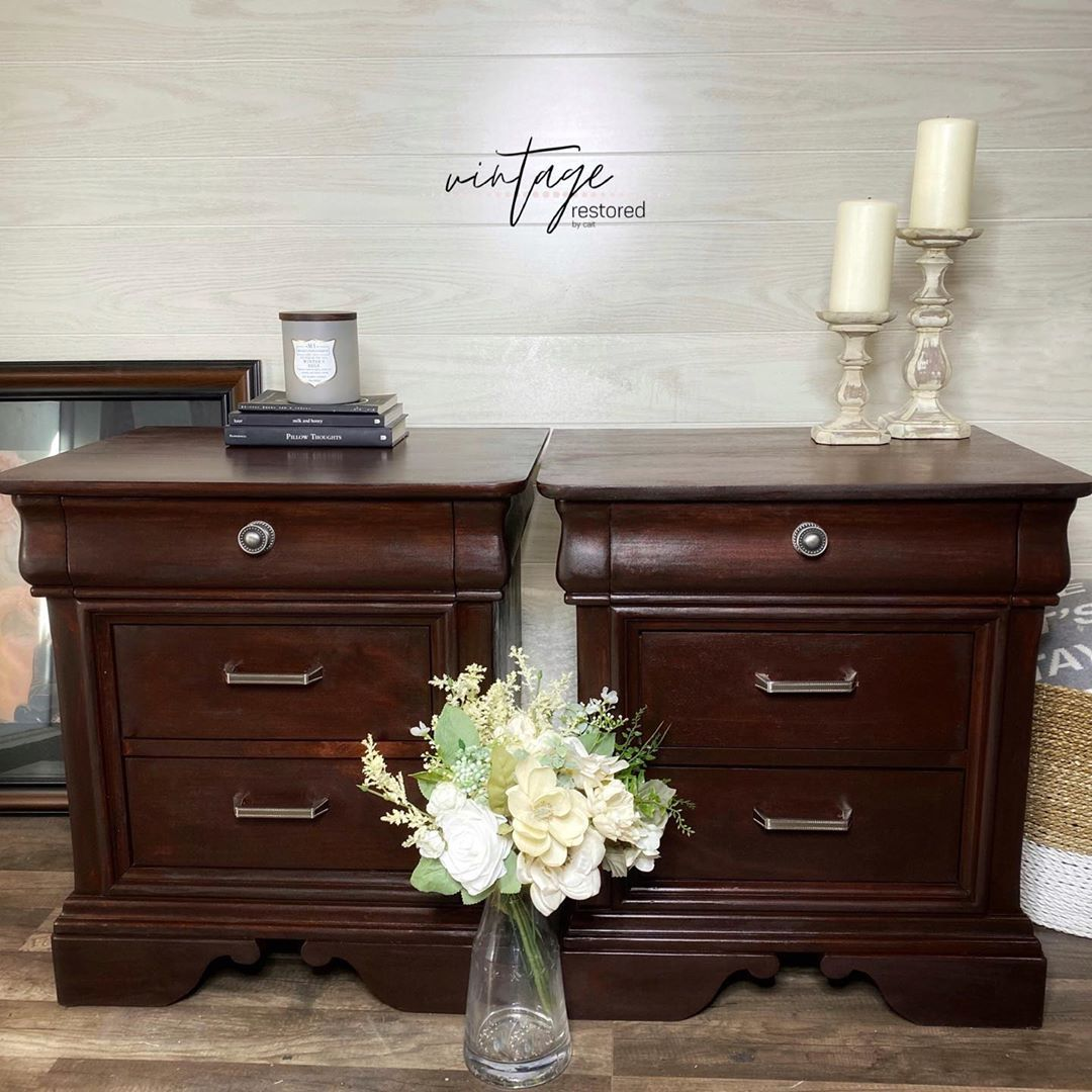 This sweet set of nightstands done for some of my friends were stripped and stained to match the existing furniture of their current bedroom set! 💕 • • Stained in a custom mix of @myoldmasters Gel Stains • • • #furnituremakeover #furniture #furnituredesign #paintedfurniture #furnitureartist #homedecor #chalkpaint #furniturerestoration #interiordesign #upcycledfurniture #diy #refinishedfurniture #chalkpaintedfurniture #furnitureflip #vintage #vintagefurniture #upcycle #shabbychic #decor #refurbi