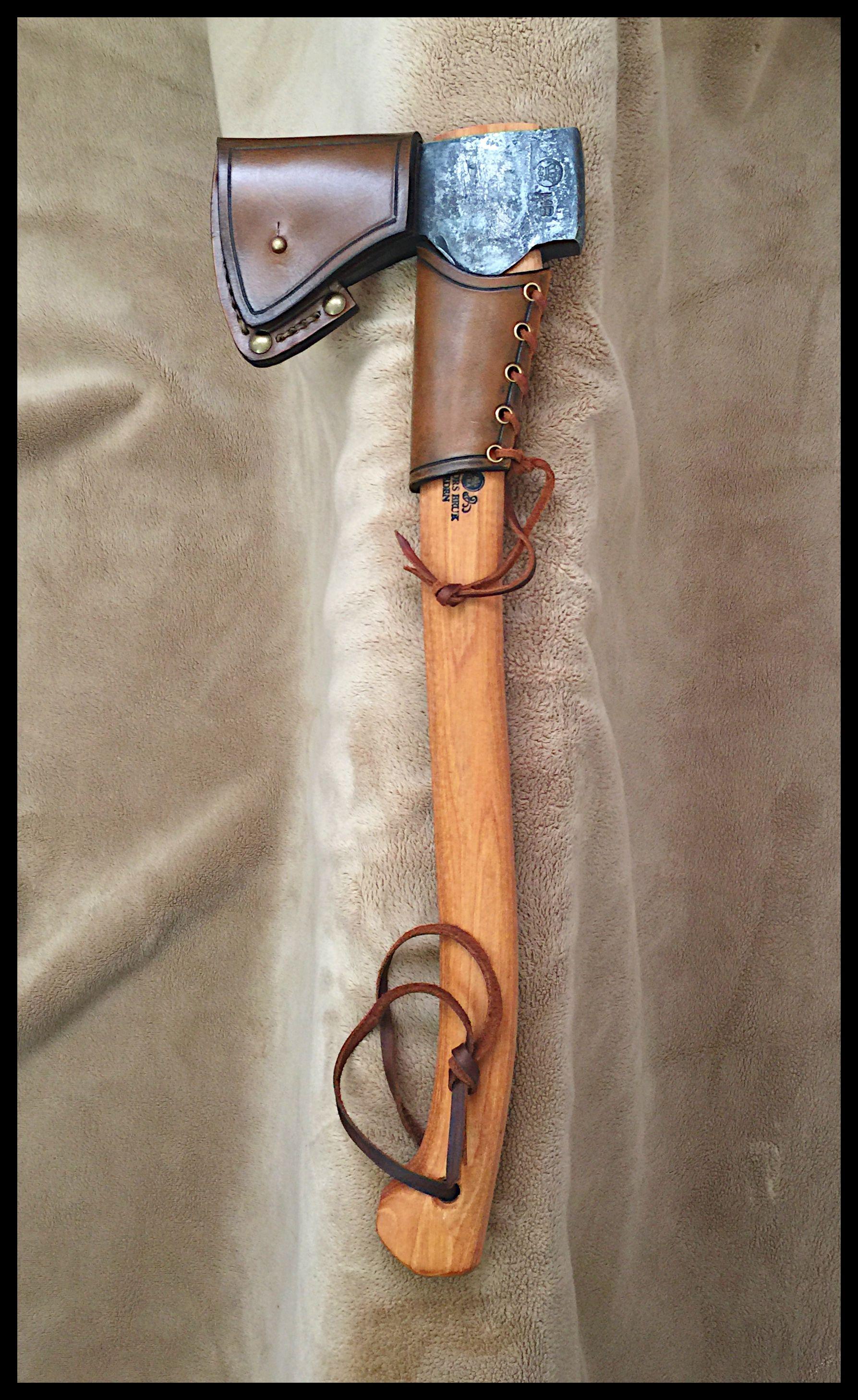 Gransfors Bruks Small Forest Axe 420 With Custom Leather By John Black Funda De Cuero Trabajo Del Cuero Hachas