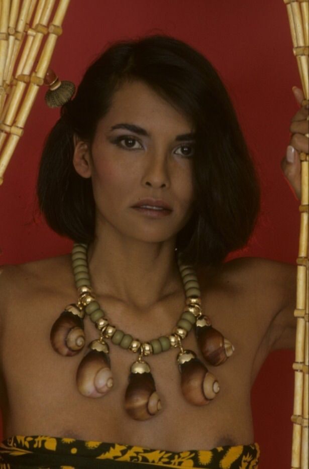 Laura Gemser  Laura Gemser  Jewelry, Pearl Necklace, Pearls-7472