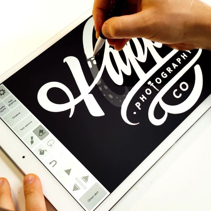 The process of creating logo animation on the iPad Pro 12