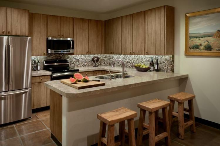 Rustikale Häuser der Dekoration mit natürlichen Elementen