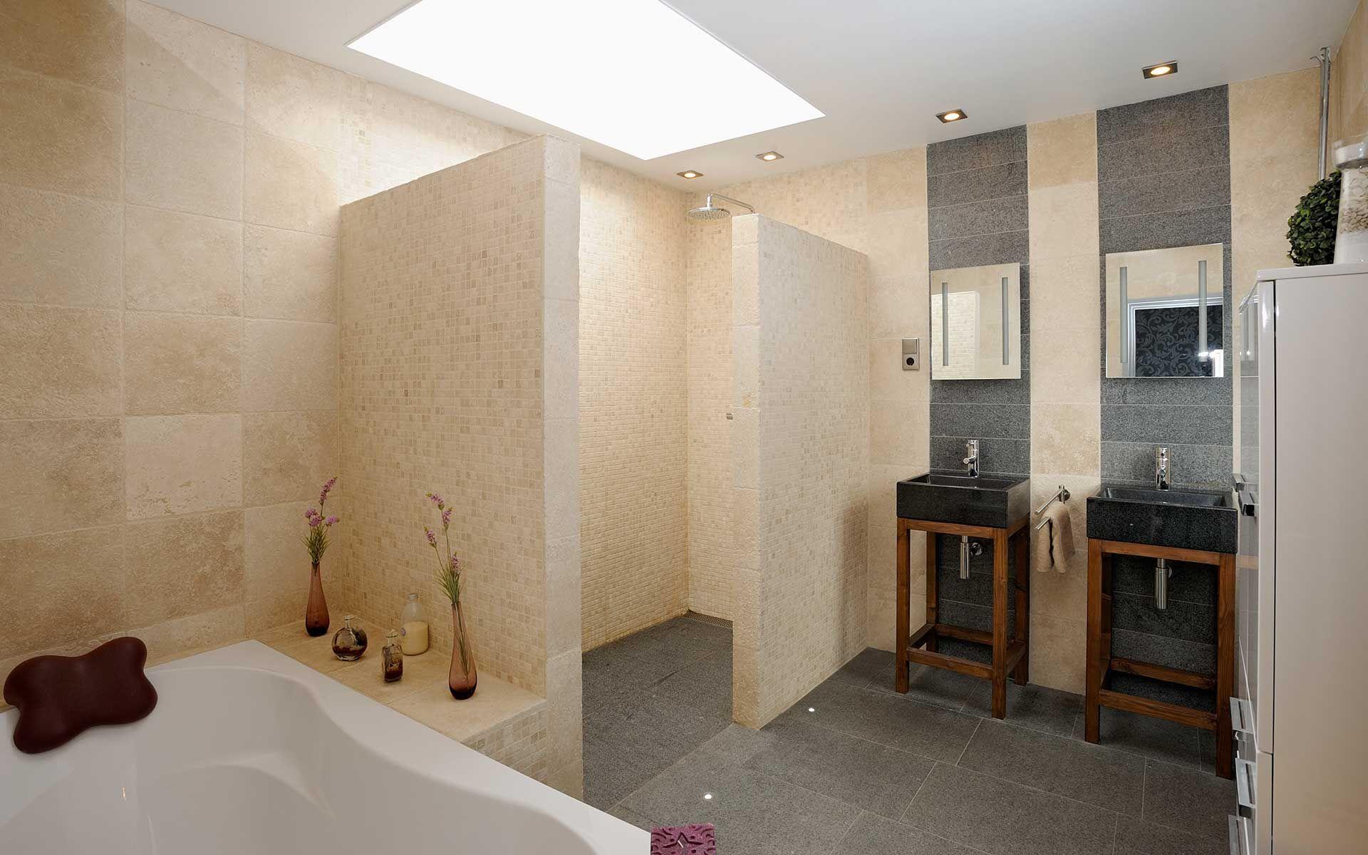 Travertin Tegels Badkamer : Badkamer #travertin #bathroom prachtige badkamers pinterest